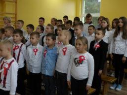 """11 listopada.,, Szkoła do hymnu"""""""
